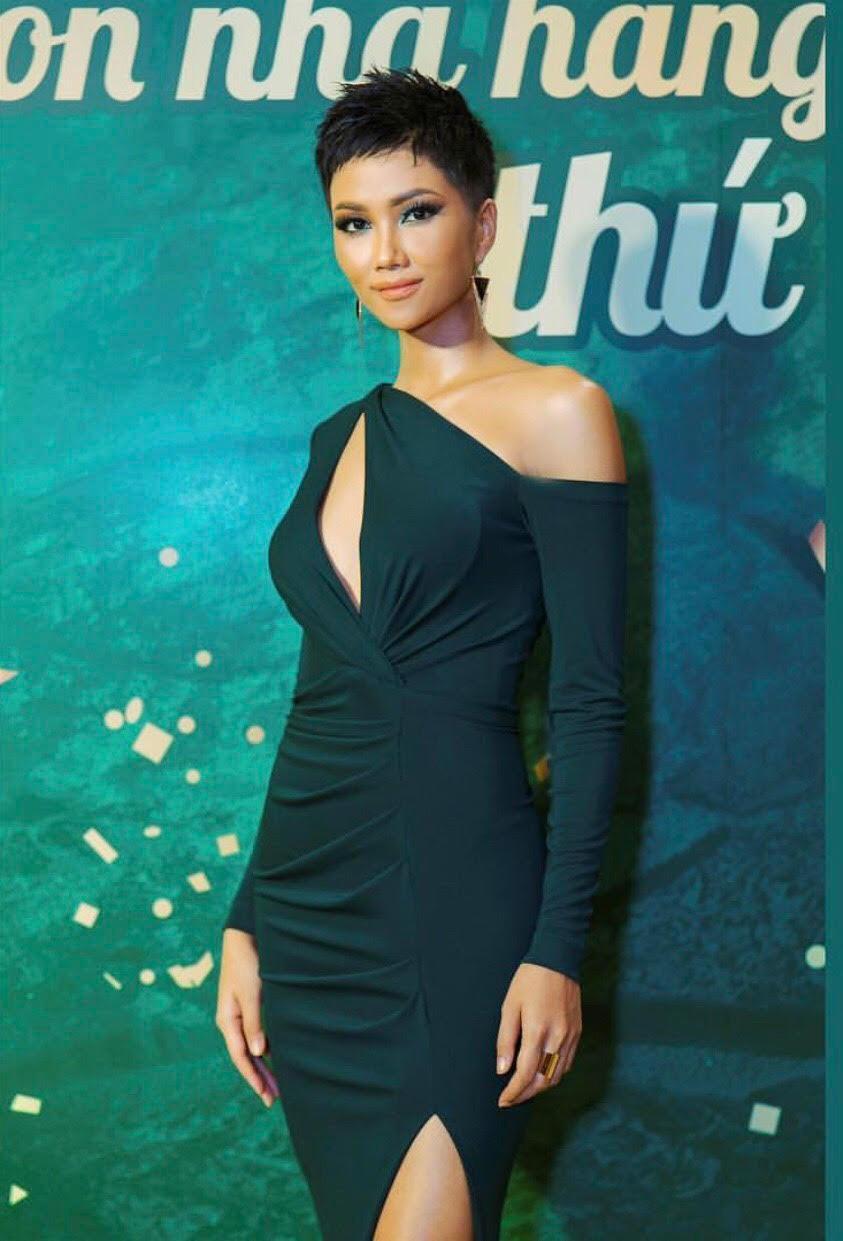 Đối thủ tại Miss Universe phản ứng thế nào khi nhìn thấy HHen Niê trong mái tóc mới? - Ảnh 3.