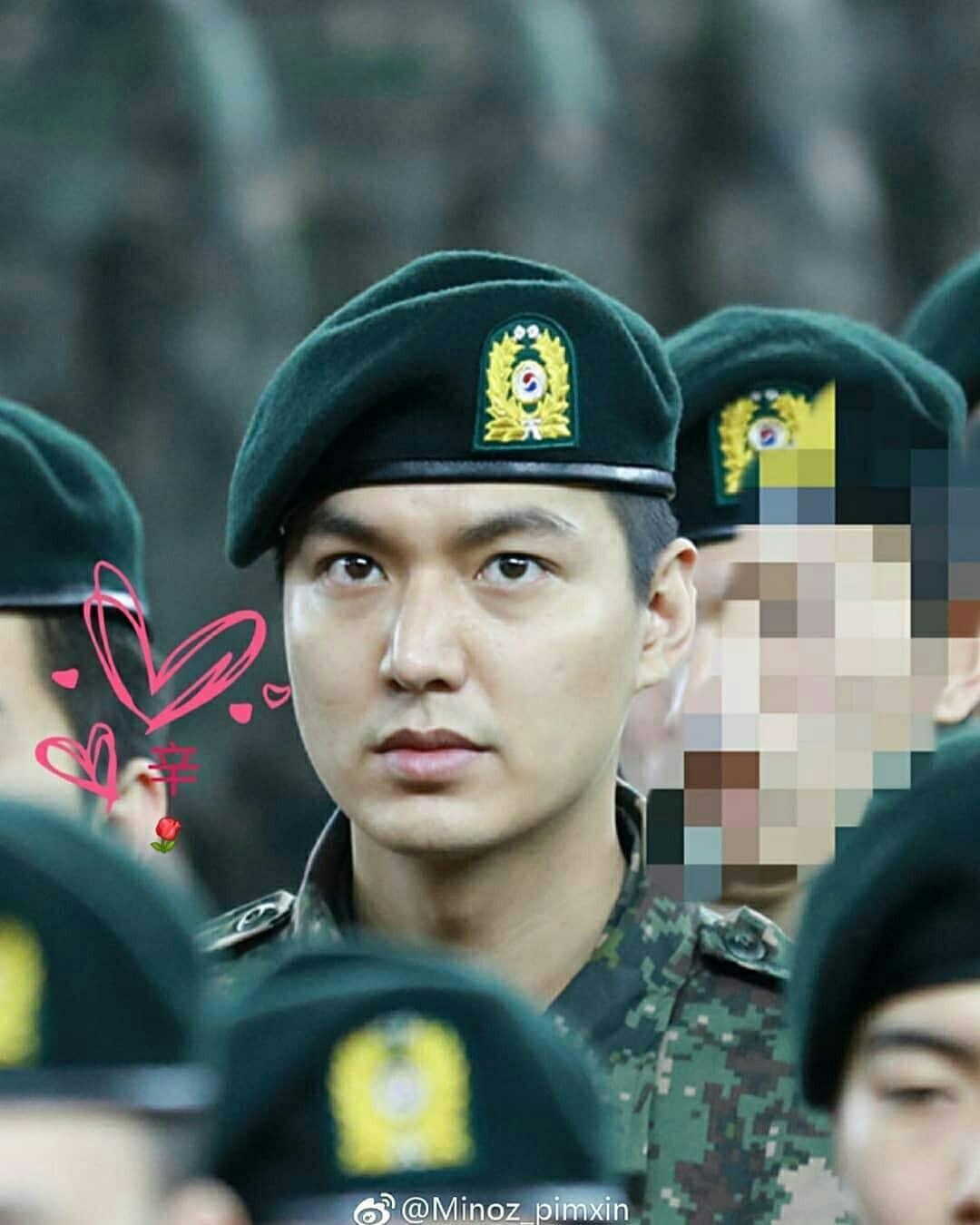 Tài tử Lee Min Ho béo phù cả mặt, ngày càng xuống sắc khi để nhan sắc mộc 100% trong quân ngũ - Ảnh 7.