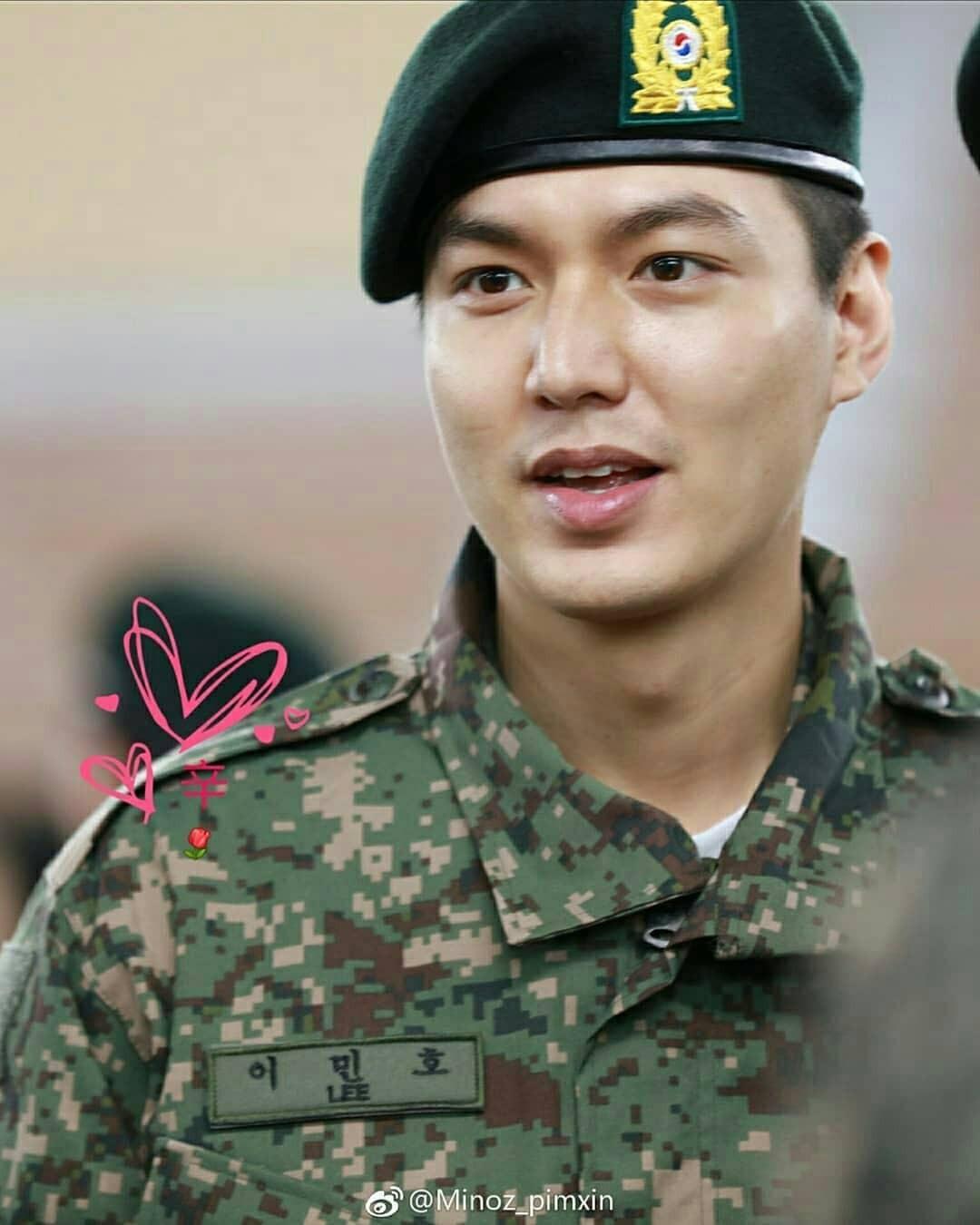 Tài tử Lee Min Ho béo phù cả mặt, ngày càng xuống sắc khi để nhan sắc mộc 100% trong quân ngũ - Ảnh 10.