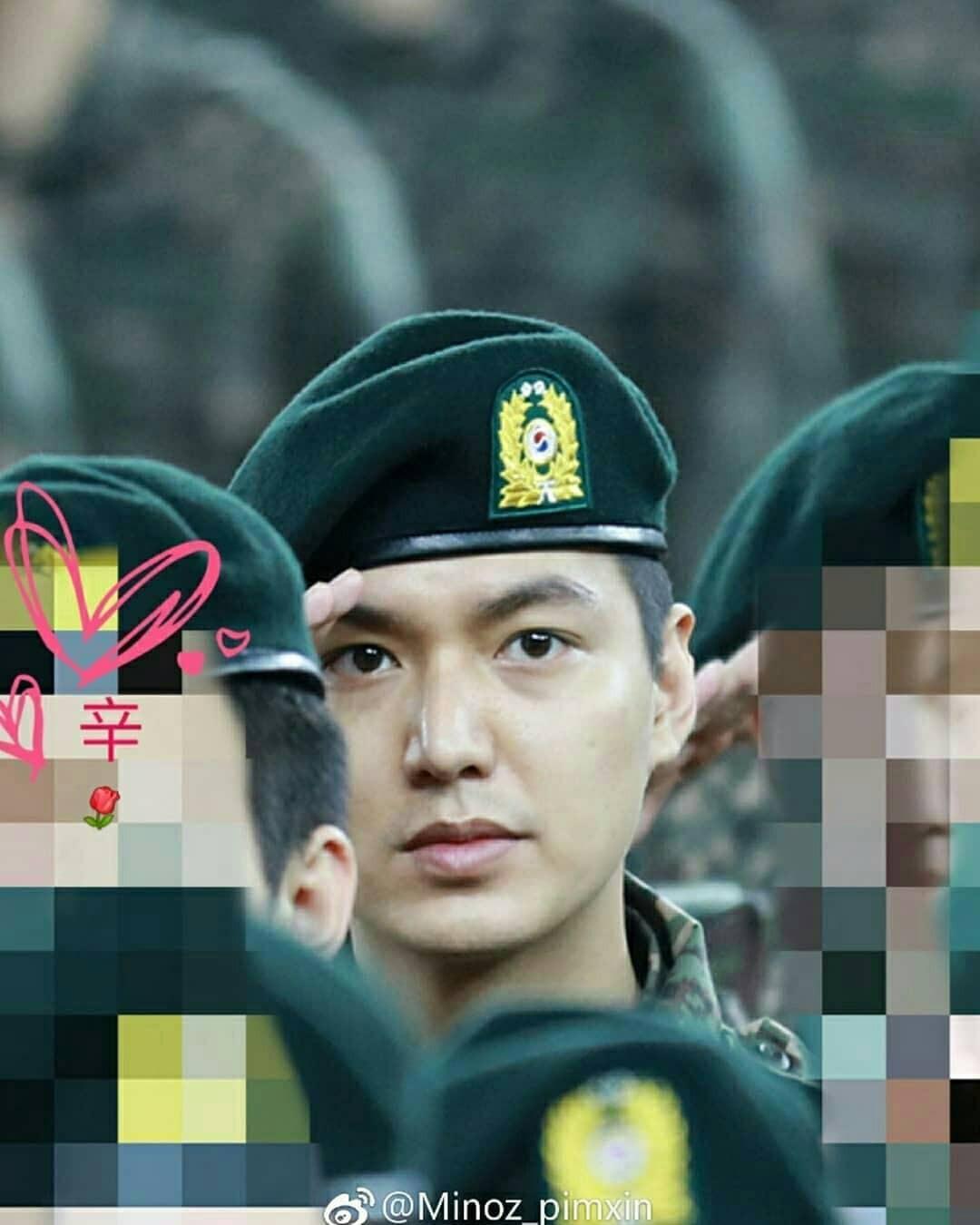 Tài tử Lee Min Ho béo phù cả mặt, ngày càng xuống sắc khi để nhan sắc mộc 100% trong quân ngũ - Ảnh 8.