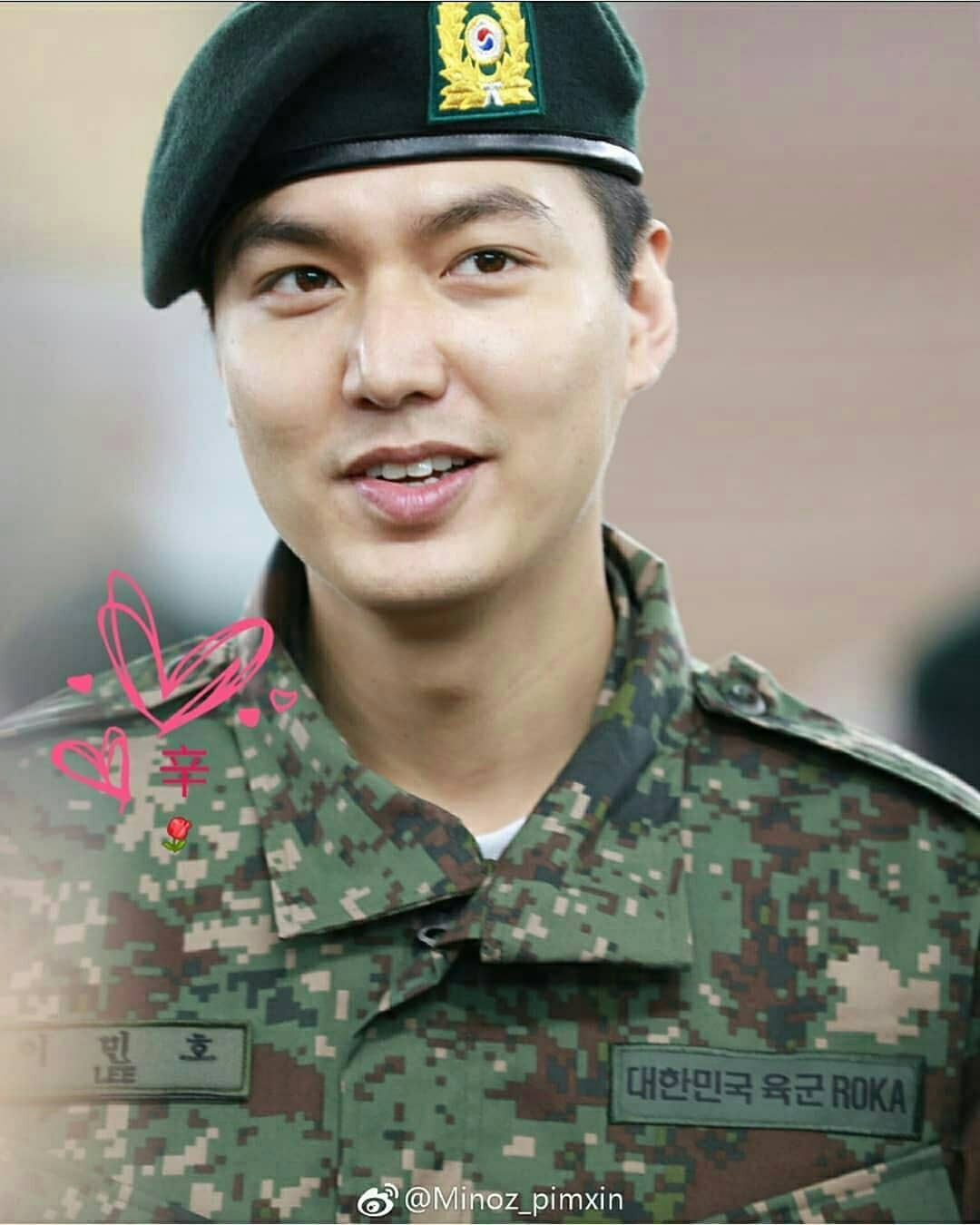 Tài tử Lee Min Ho béo phù cả mặt, ngày càng xuống sắc khi để nhan sắc mộc 100% trong quân ngũ - Ảnh 9.