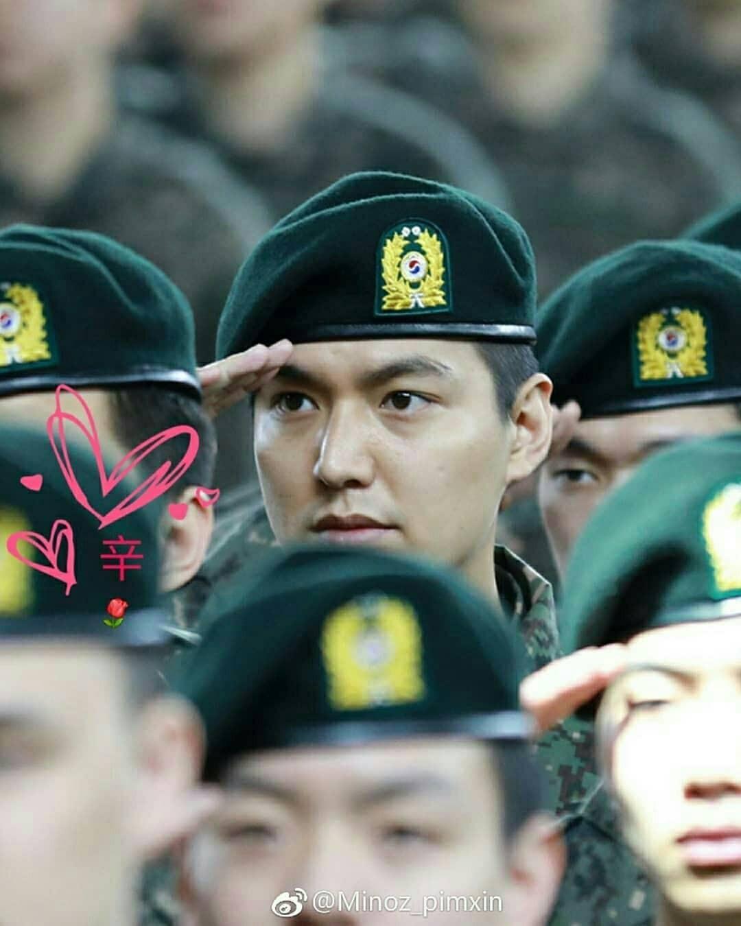 Tài tử Lee Min Ho béo phù cả mặt, ngày càng xuống sắc khi để nhan sắc mộc 100% trong quân ngũ - Ảnh 6.