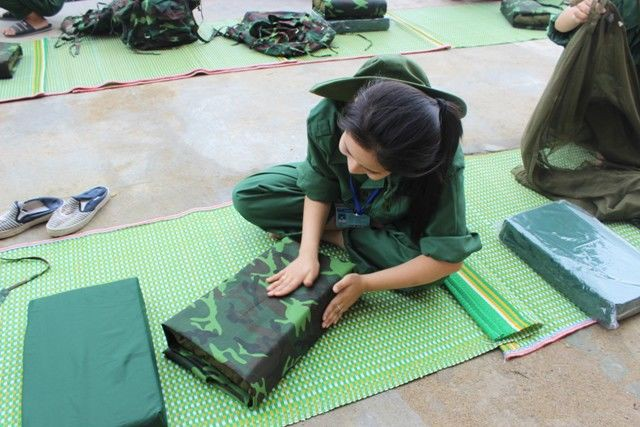 Học quân sự - những tháng ngày trải nghiệm không thể nào quên của cuộc đời sinh viên - Ảnh 2.