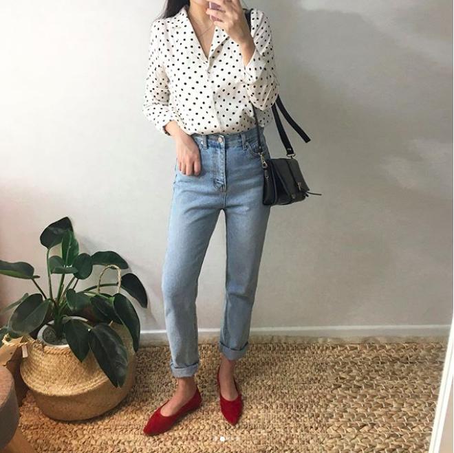 Định mặc quần jeans ống đứng, các nàng hãy chọn 1 trong 4 combo cứ lên đồ là đẹp miễn chê này - Ảnh 15.