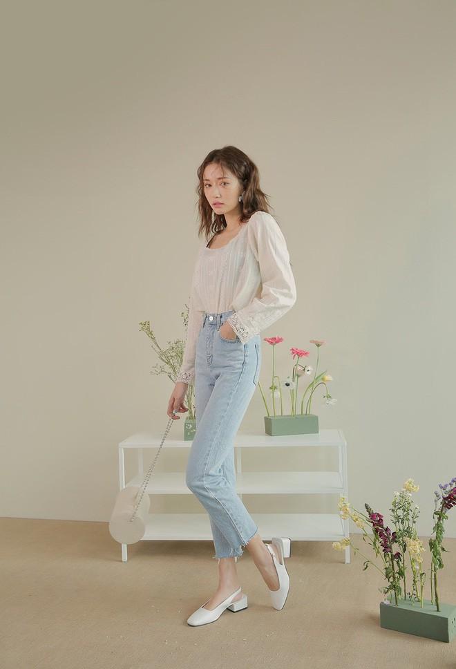 Định mặc quần jeans ống đứng, các nàng hãy chọn 1 trong 4 combo cứ lên đồ là đẹp miễn chê này - Ảnh 16.