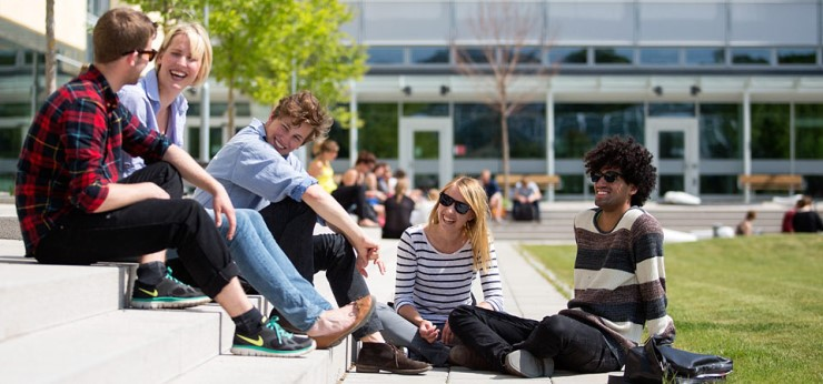 Trường học ở Thụy Điển cấm bài tập về nhà, xóa sổ bài thi cho học sinh đỡ căng thẳng - Ảnh 2.