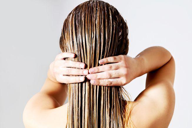 Image result for 2. Bôi dầu gội và dầu xả lên toàn bộ tóc