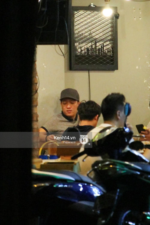 Trong khi Nhã Phương sang Thái chơi Songkran, Trường Giang bị bắt gặp đi uống bia cùng bạn bè giữa đêm - Ảnh 9.