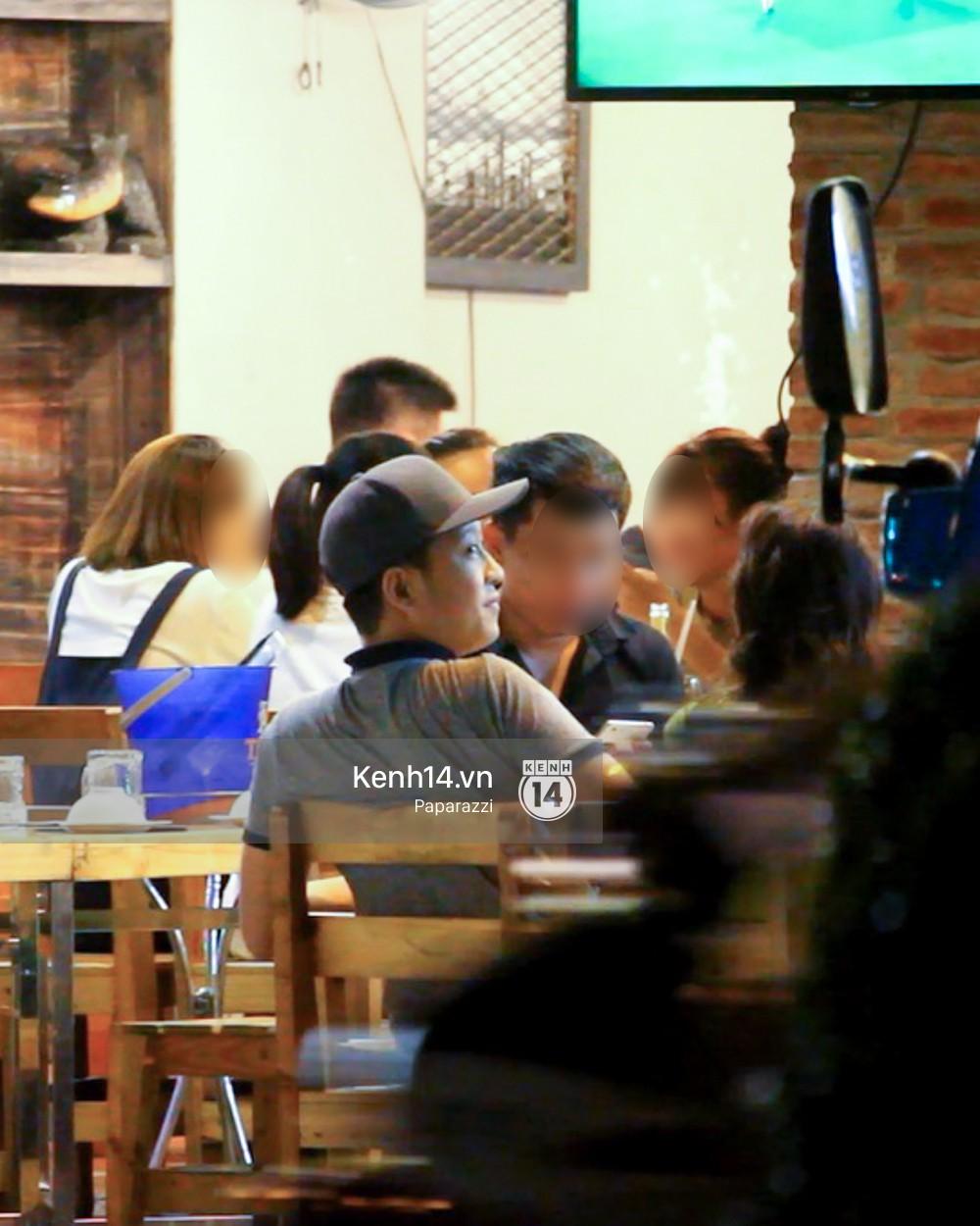 Trong khi Nhã Phương sang Thái chơi Songkran, Trường Giang bị bắt gặp đi uống bia cùng bạn bè giữa đêm - Ảnh 5.