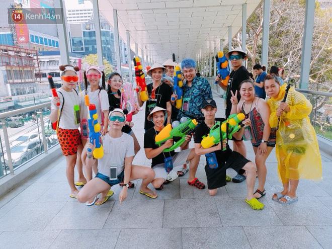Giới trẻ Việt đang kéo cả team qua Thái quẩy Tết Songkran cho đã! - Ảnh 6.