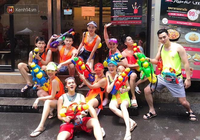 Giới trẻ Việt đang kéo cả team qua Thái quẩy Tết Songkran cho đã! - Ảnh 5.