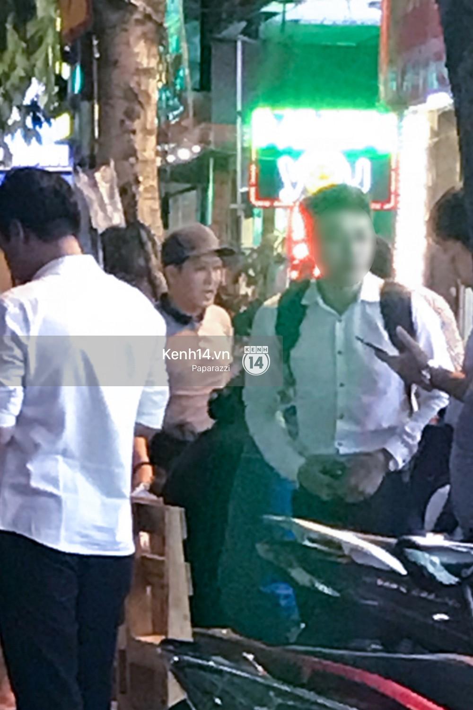 Trong khi Nhã Phương sang Thái chơi Songkran, Trường Giang bị bắt gặp đi uống bia cùng bạn bè giữa đêm - Ảnh 6.