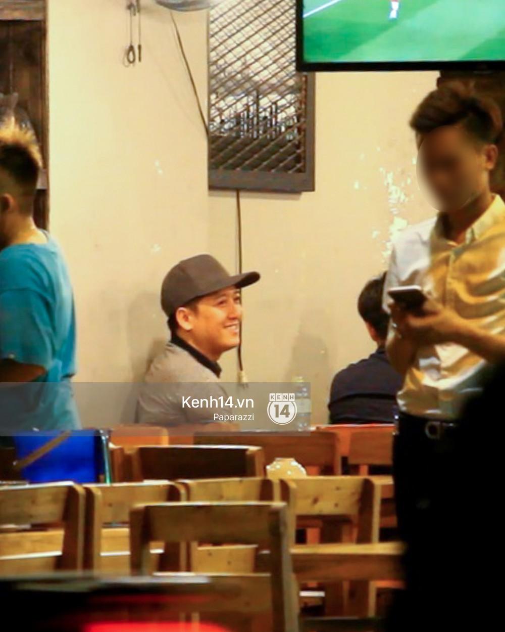 Trong khi Nhã Phương sang Thái chơi Songkran, Trường Giang bị bắt gặp đi uống bia cùng bạn bè giữa đêm - Ảnh 8.