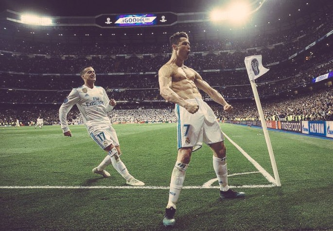 Đặt cạnh Ronaldo béo, Ronaldinho, Neymar mới thấy Cristiano Ronaldo ghi bàn khủng khiếp đến thế nào - Ảnh 1.