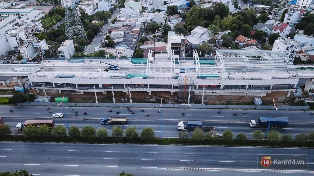 Nhà ga có chiều dài 137,5m với 3 tầng.