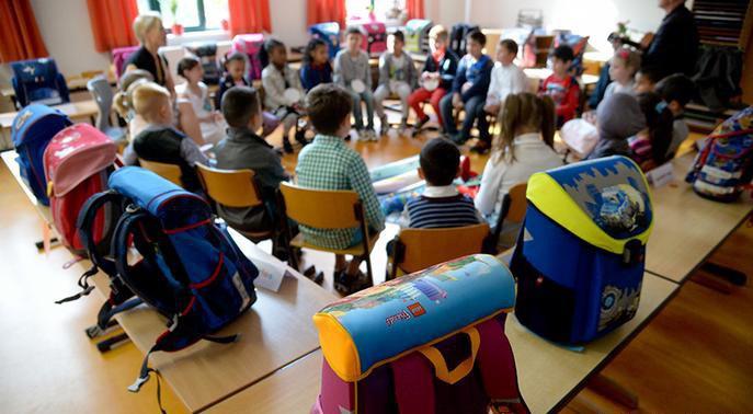Bỏ dần thi cử, điểm số không phải thứ quan trọng nhất: Các nước trên thế giới đang giúp học sinh giảm áp lực học hành như thế nào? - Ảnh 4.
