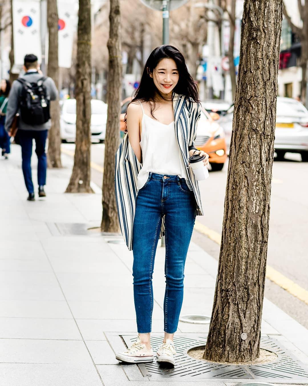 Street style của con gái Hàn tuần qua: chẳng cầu kỳ mà đẹp phát mê, ai xem xong cũng dễ crush - Ảnh 1.