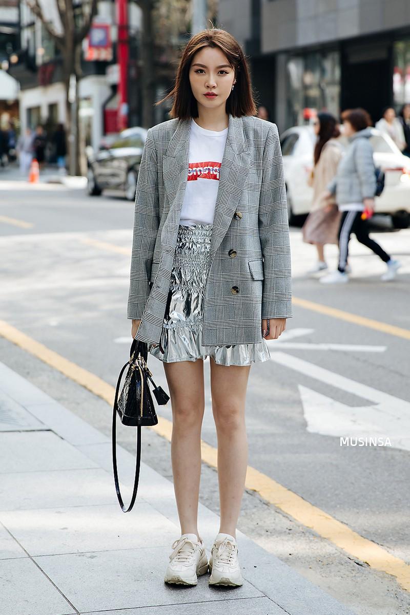 Street style của con gái Hàn tuần qua: chẳng cầu kỳ mà đẹp phát mê, ai xem xong cũng dễ crush - Ảnh 11.