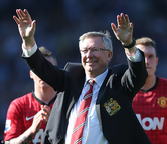 Sir Alex Ferguson kiếm tiền cực siêu dù đã nghỉ hưu - Ảnh 2.