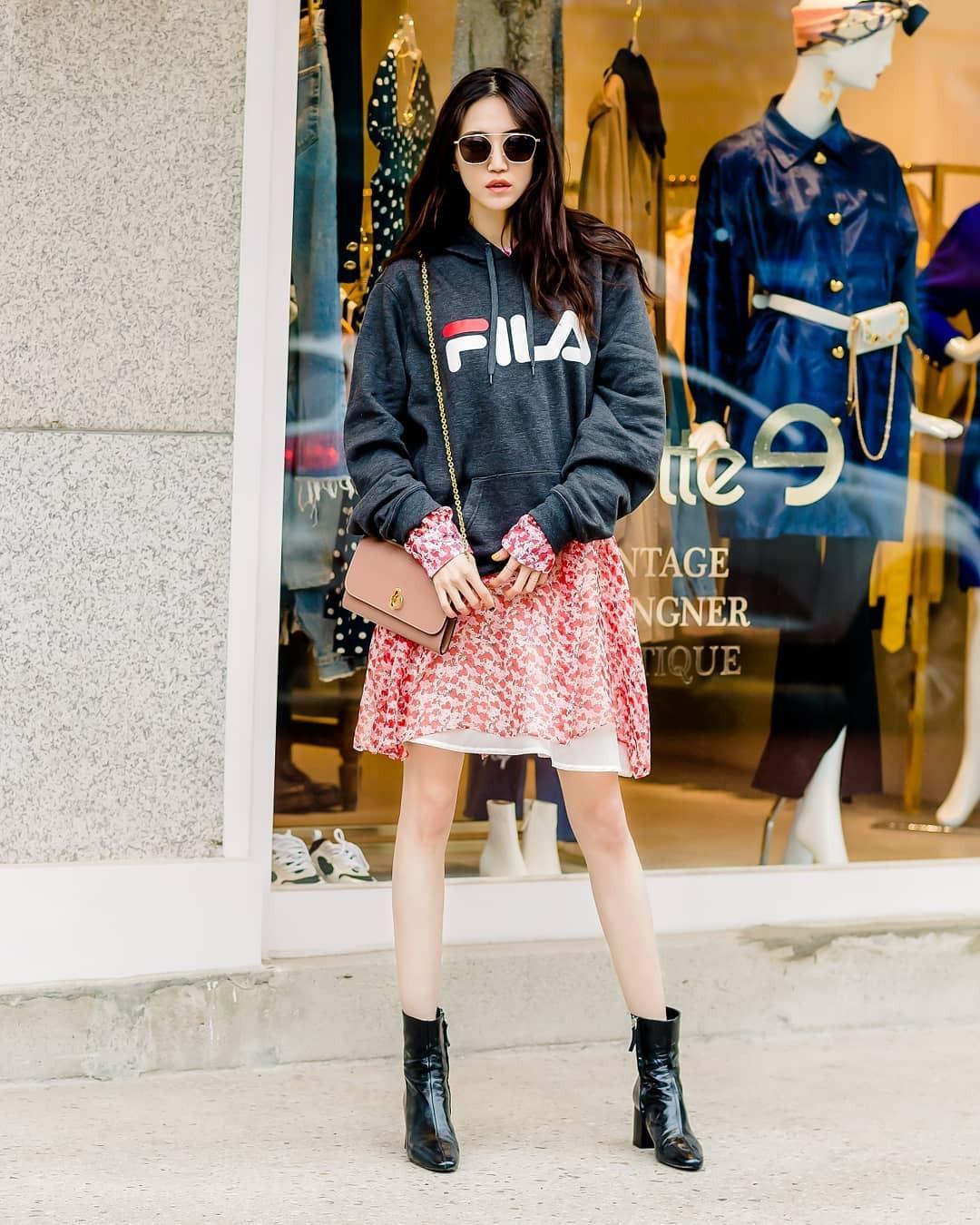 Street style của con gái Hàn tuần qua: chẳng cầu kỳ mà đẹp phát mê, ai xem xong cũng dễ crush - Ảnh 2.