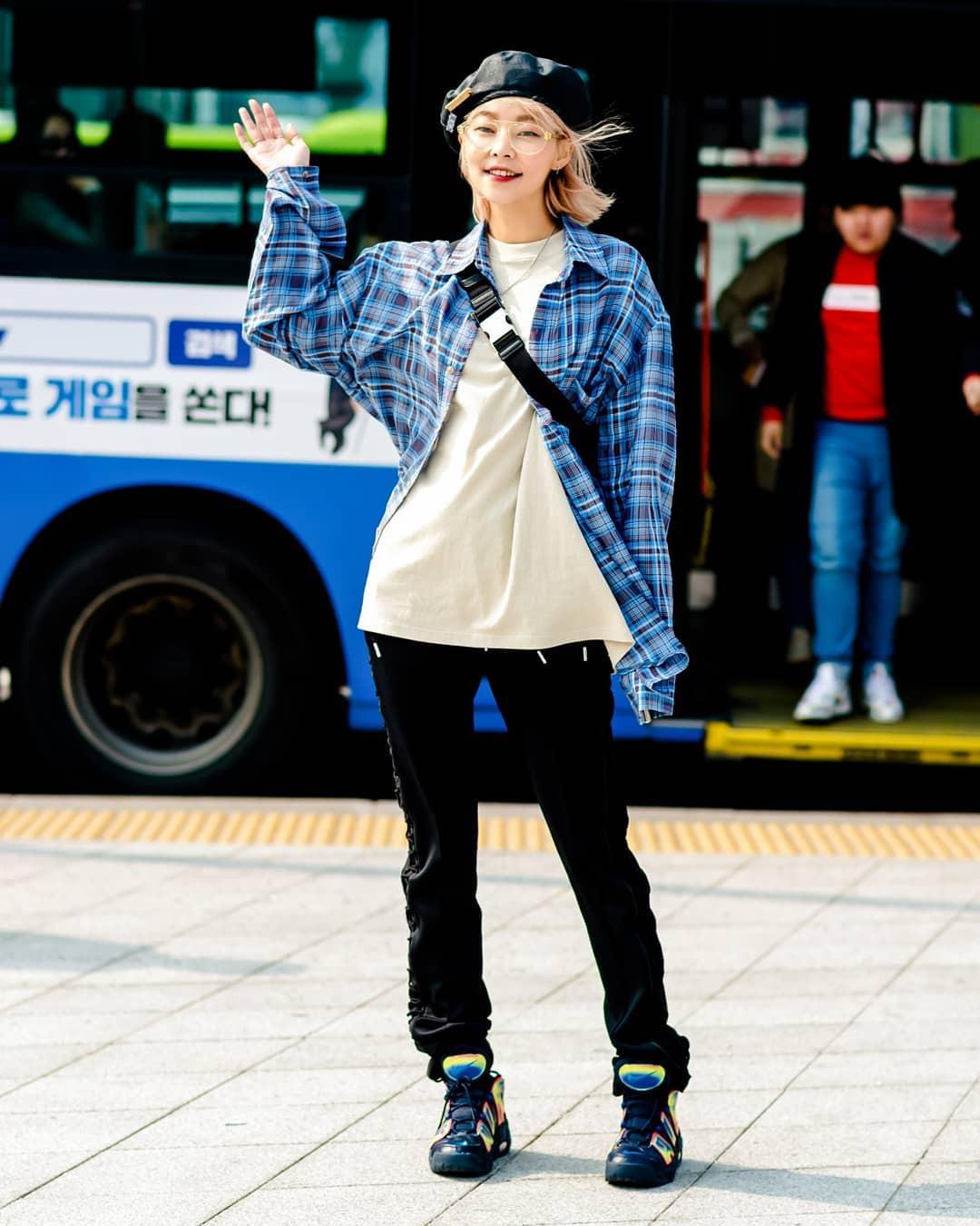 Street style của con gái Hàn tuần qua: chẳng cầu kỳ mà đẹp phát mê, ai xem xong cũng dễ crush - Ảnh 3.
