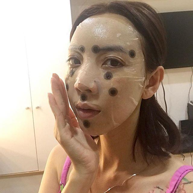 Sau chuyến đi Hàn, gương mặt của Hoa hậu hài Thu Trang ngày càng lạ lẫm? - Ảnh 2.