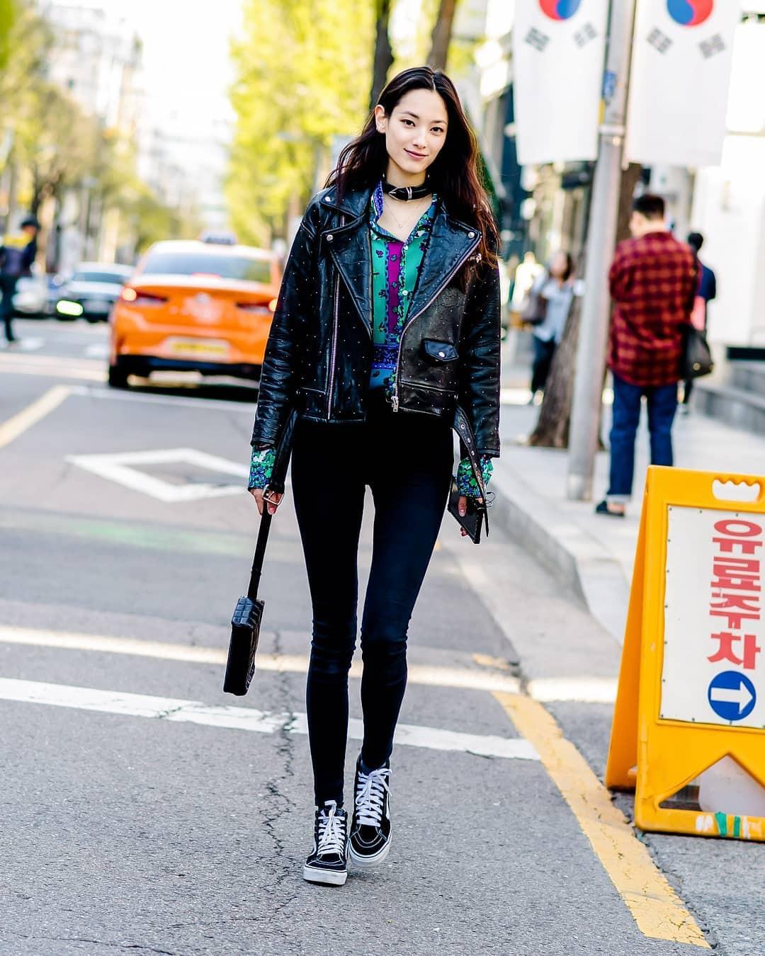 Street style của con gái Hàn tuần qua: chẳng cầu kỳ mà đẹp phát mê, ai xem xong cũng dễ crush - Ảnh 7.