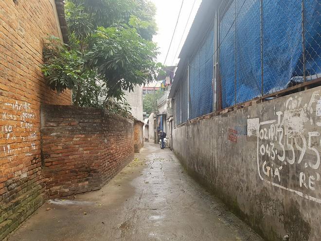 Nghi án mẹ ruột sát hại con trai 19 tuổi tại nhà riêng ở Hà Nội - Ảnh 1.