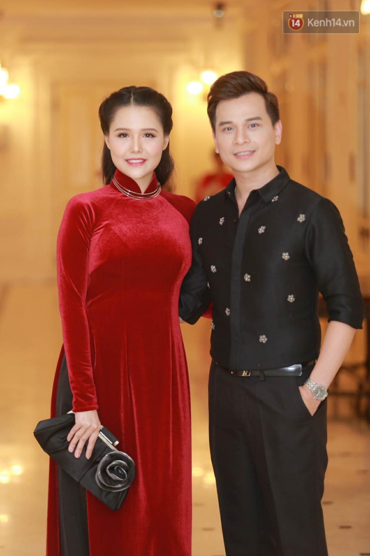 Nhã Phương khoe lưng trần gợi cảm cùng dàn sao Việt đổ bộ thảm đỏ Cánh diều vàng 2017 - Ảnh 13.
