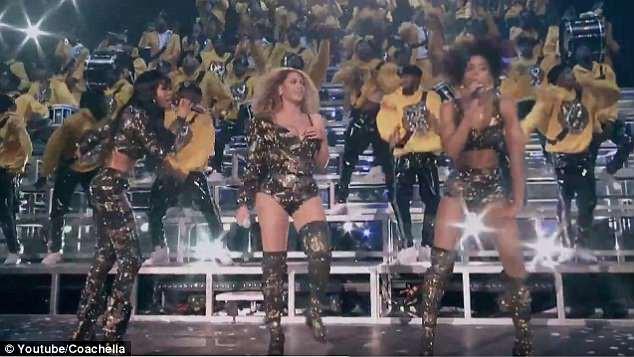 Nhảy hăng tới... tụt cả đồ là có thật: Beyoncé bị bộ trang phục phản chủ tới 2 lần trên sân khấu Coachella 2018 - Ảnh 2.