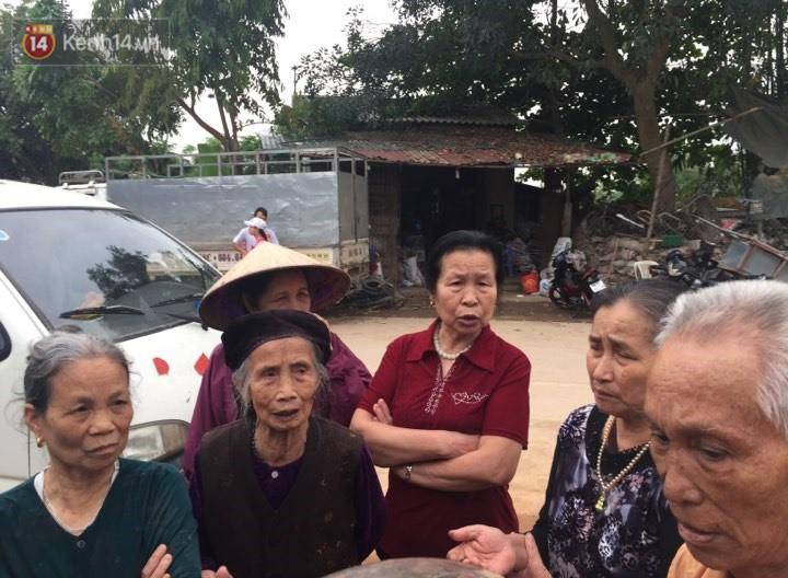 Nỗi đau tột cùng của mẹ bé trai 8 tuổi ở Vĩnh Phúc bị kẻ lạ vào nhà chém tử vong: Nhìn con nằm giữa nhà tôi đau đớn ngất lịm - Ảnh 2.