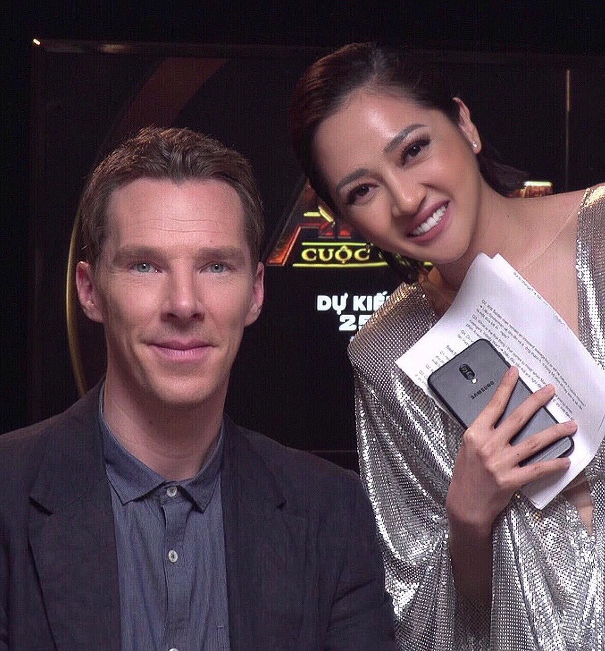 Bảo Anh chụp ảnh với nam diễn viên Dr. Strange Benedict Cumberbatch, nhưng hình như có gì đó sai sai? - Ảnh 2.