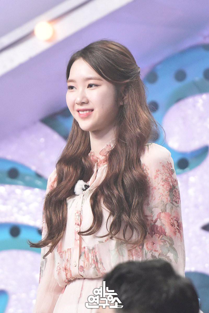 Cứ lo Chị Đẹp có tuổi thì lép vế, thế nhưng chị vẫn đẹp bất chấp cả khi đụng hàng với loạt sao Hàn khác - Ảnh 9.