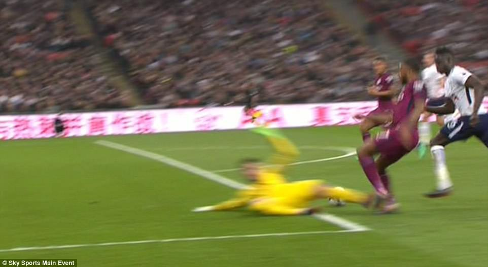Man City đánh bại Tottenham, chạm tay vào ngôi vô địch - Ảnh 8.