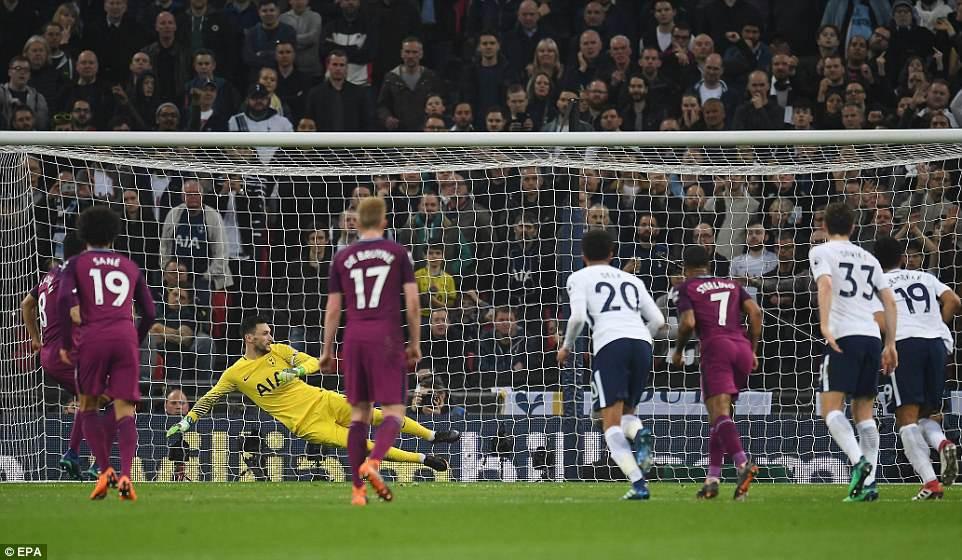 Man City đánh bại Tottenham, chạm tay vào ngôi vô địch - Ảnh 10.