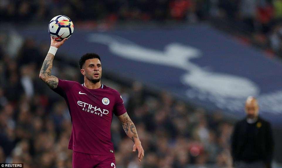 Man City đánh bại Tottenham, chạm tay vào ngôi vô địch - Ảnh 3.