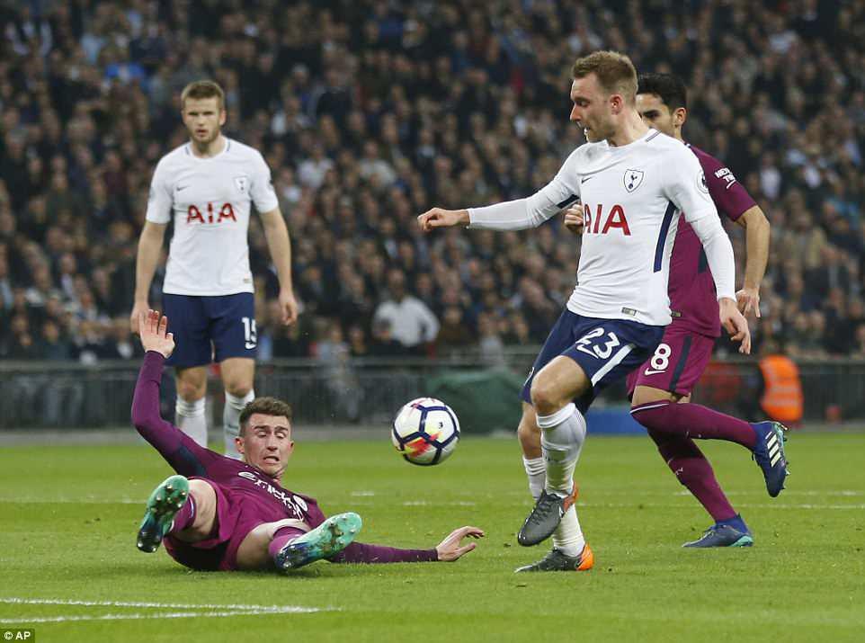 Man City đánh bại Tottenham, chạm tay vào ngôi vô địch - Ảnh 11.