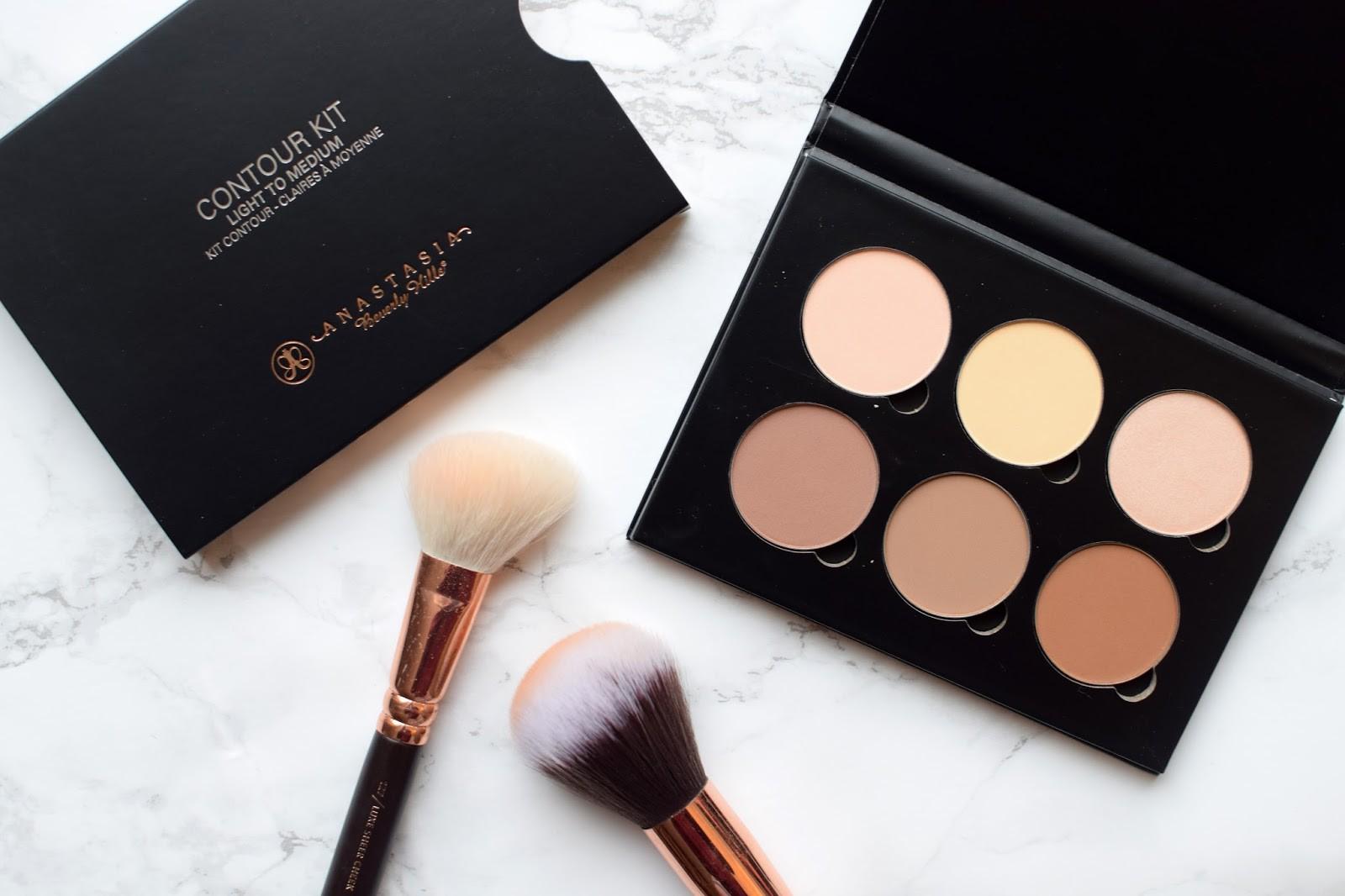 11 sản phẩm makeup huyền thoại mà bạn không thể không dùng thử nếu là một tín đồ làm đẹp chính hiệu - Ảnh 10.