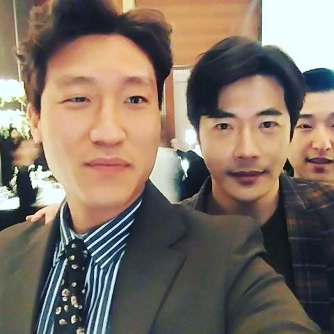 Đám cưới khủng mời toàn sao hạng A: Kim Bum lộ diện sau tin hẹn hò, Park Bo Gum bổ luống bên dàn tài tử - Ảnh 11.