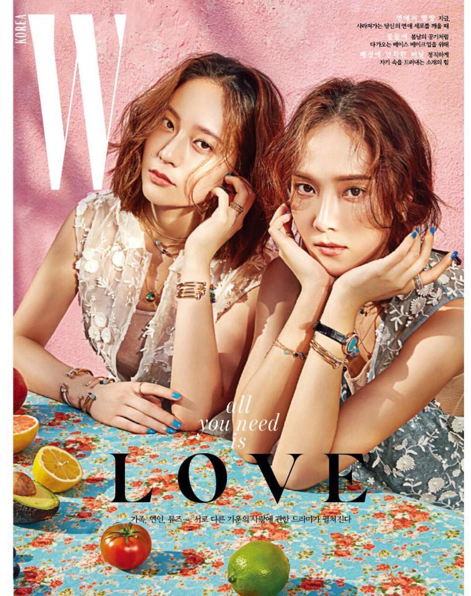 Lâu lắm rồi cặp đôi hot nhất xứ Hàn Jessica và Krystal mới trở lại: Em giờ đã đẹp hơn chị quá nhiều - Ảnh 1.