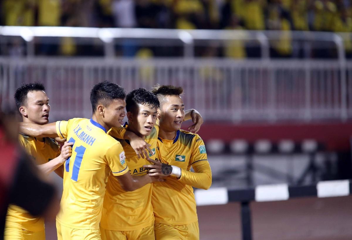 Phan Văn Đức U23 lập cú đúp, SLNA hòa kịch tính tại Cần Thơ - Ảnh 3.