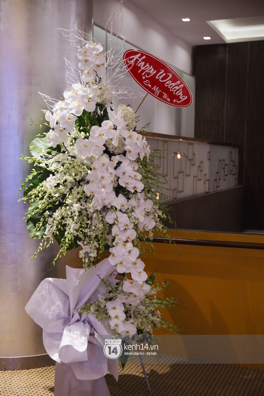 Bố mẹ hai bên gia đình có mặt đông đủ trong đám cưới của biên đạo John Huy Trần và bạn trai Nhiệm Huỳnh - Ảnh 16.