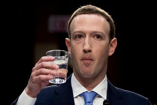 Mark Zuckerberg đến Nghị Viện Mỹ: Vở kịch về quyền riêng tư? - Ảnh 2.