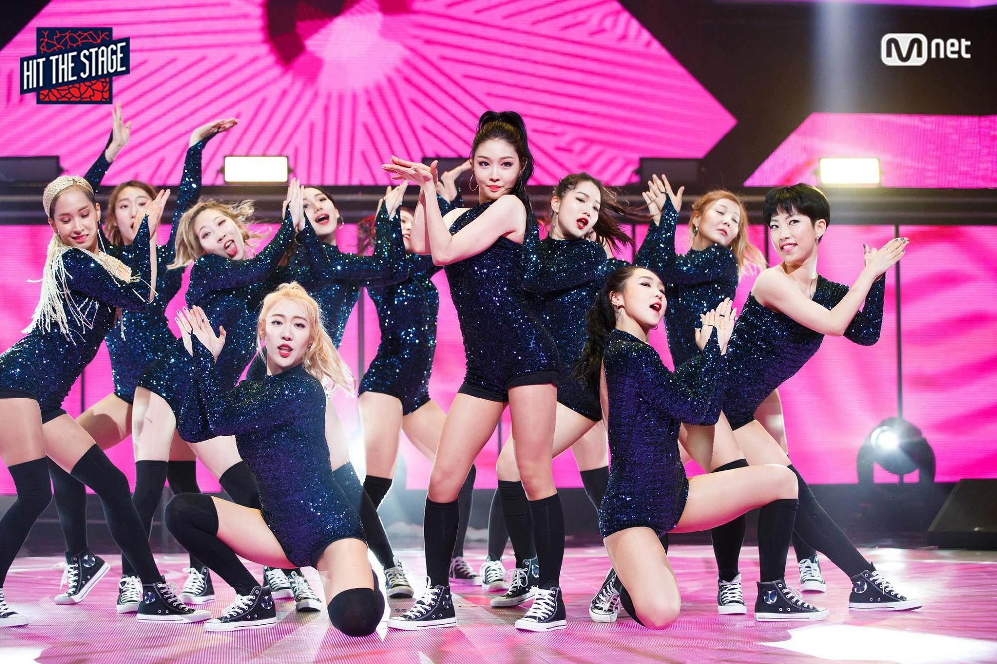 Những sân khấu vũ đạo đỉnh của đỉnh ghi dấu: Thời hoàng kim Kpop chỉ có thể là đây - Ảnh 7.