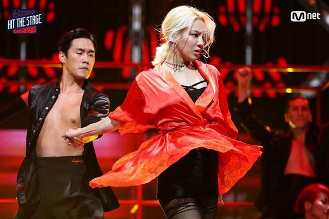 Những sân khấu vũ đạo đỉnh của đỉnh ghi dấu: Thời hoàng kim Kpop chỉ có thể là đây - Ảnh 8.