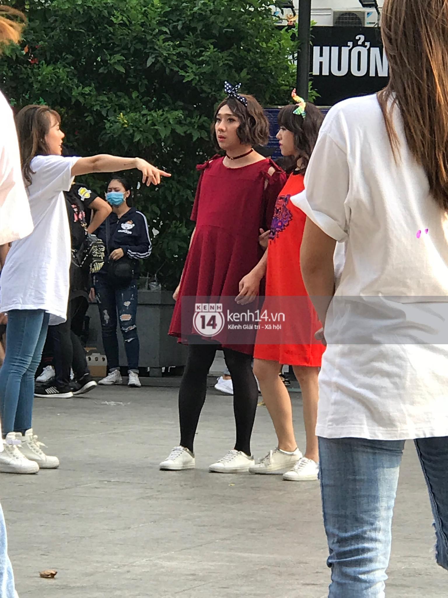 Chùm ảnh: Trấn Thành, Trường Giang, Hứa Vĩ Văn đồng loạt hóa... bà bầu trong show thực tế mới - Ảnh 2.