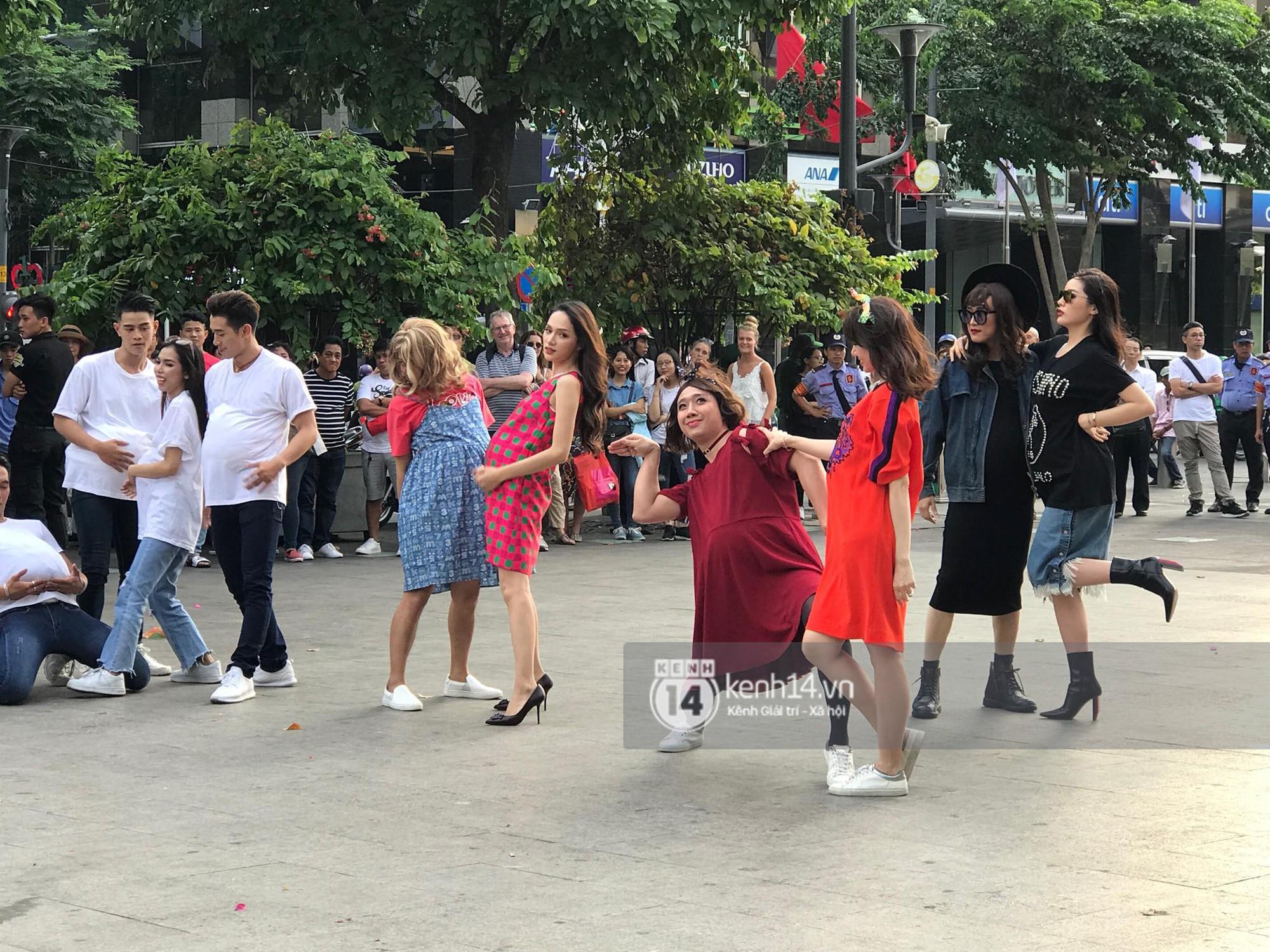 Chùm ảnh: Trấn Thành, Trường Giang, Hứa Vĩ Văn đồng loạt hóa... bà bầu trong show thực tế mới - Ảnh 10.
