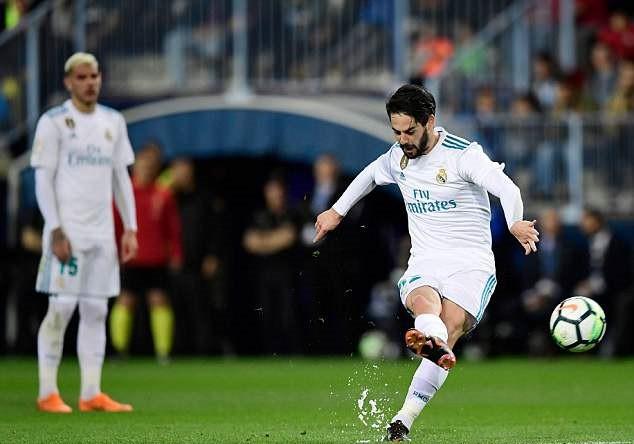 Ronaldo vắng mặt, Real Madrid thắng dễ Malaga nhờ kép phụ Isco - Ảnh 4.