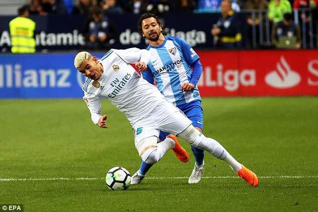 Ronaldo vắng mặt, Real Madrid thắng dễ Malaga nhờ kép phụ Isco - Ảnh 3.