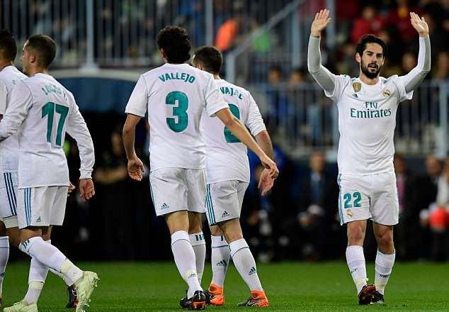 Ronaldo vắng mặt, Real Madrid thắng dễ Malaga nhờ kép phụ Isco - Ảnh 8.